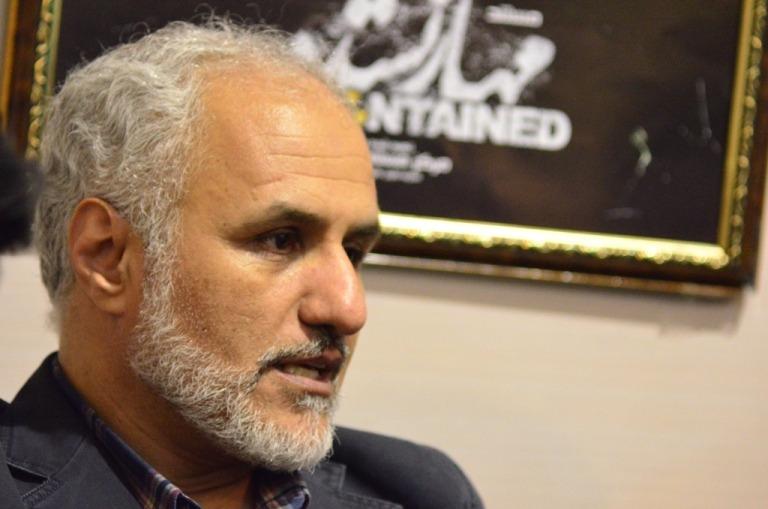 حضور حسن عباسی در غرفه مرکز مستند سفیر