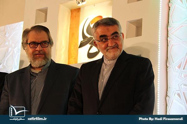 حضور علاءالدین بروجردی رئیس کمیسیون امنیت ملی و سیاست خارجی مجلس در اختتامیه چهارمین جشنواره مردمی فیلم عمار، سینما فلسطین