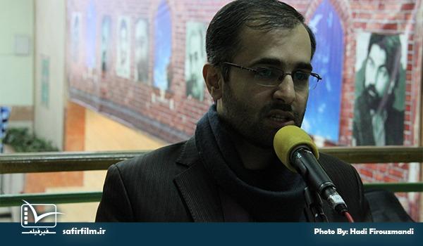 محمدصالح مفتاح گوینده بخش اخبار جشنواره در برنامه رادیویی سینماعمار