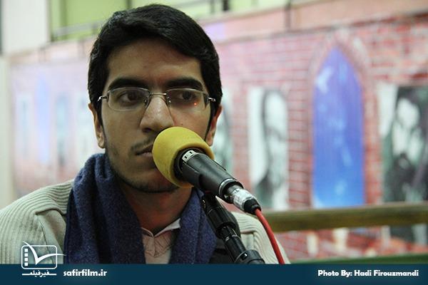 گفتگوی زنده سیدمهدی کرباسی٬ کارگردان مستند «بچه ها خسته نباشید!» با برنامه رادیویی سینماعمار